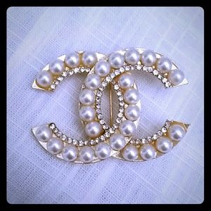 Jewelry - Double C Brooch Pin